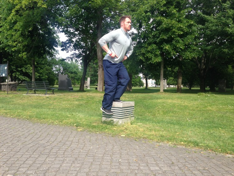 Outdoor-Training (4): Einbeinige Kniebeuge